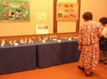 「津屋崎人形展」を観る人たち