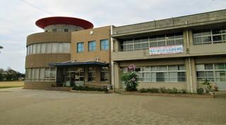 〈事務局日記〉0373:�@2011250802遠景・津屋崎小学校6694.JPG
